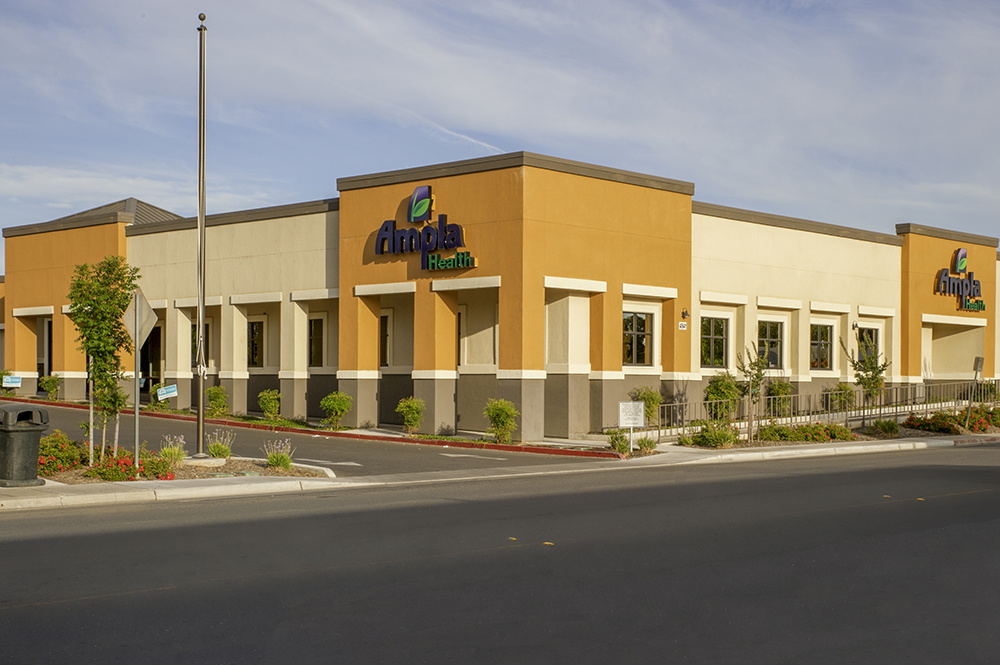 Ampla Health Medical Clinic and Dental Clinic in Lindhurst